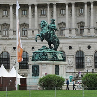Памятник принцу Евгению Савойскому на Хельденплац
