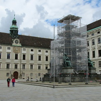 Памятник императору Францу I во дворе Ин дер Бург в Хофбурге