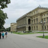 Мюнхенская резиденция со стороны Хофгартена