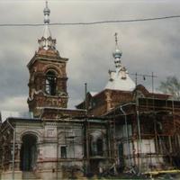 Покровский храм с. Осеченки в начале восстановления
