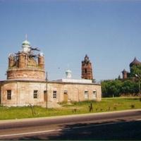Храм Троицы Живоначальной в д. Саввино (Ново-Егорье) в начале восстановления