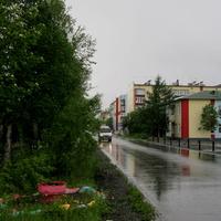 Центральная улица после дождя.