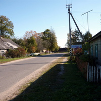 старые строения в центре поселка