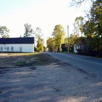 автостоянка на месте бывшей школы