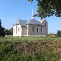 Храм в Лапичах.