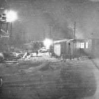 Строящаяся база строителей автодороги Хандыга-Нежданинское в Теплом Ключе ночью. Декабрь 1980