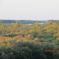 Вдали видна река Вычегда