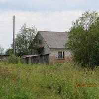 здесь мало домов, в которых живут постоянно