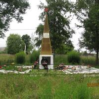 Памятник в д. Шуваево