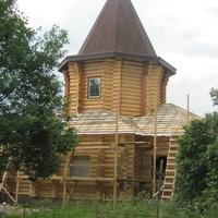 Строительство храма в честь Святого апостола Андрея Первозванного в Ясенском, июль 2014.