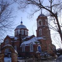 Стружаны. Церковь Успения Пресвятой Богородицы.
