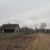 Дом при въезде в деревню.