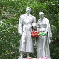 Памятник погибшим при освобождении д. Избищи воинам