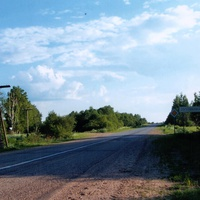 Въезд  в  Лутовёнку  со  стороны  Яжелбиц