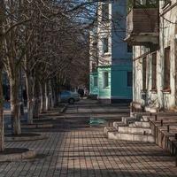 Солнечная сторона улицы