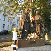 Памятник святым князю Петру и княгине Февронье
