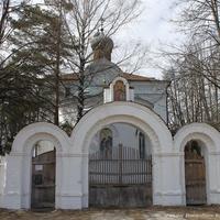 Заречное. Церковь Богоявления Господня, ворота ограды