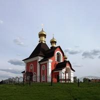 Храм в честь святых мучеников Флора и Лавра в селе Хохлово