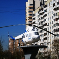 Вертолёт Ми-2.