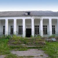 Здание заброшенного клуба в селе Кошлаково