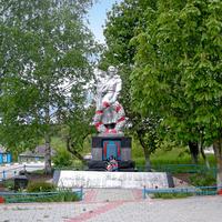 Братская могила 167 советских воинов