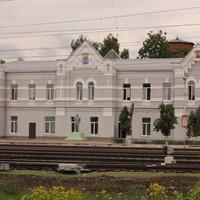 Железнодорожный вокзал после ремонта.