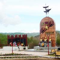 Памятник воинам ВОВ и Памятник с бюстами  Героев Советского Союза 07.05. 2015 год