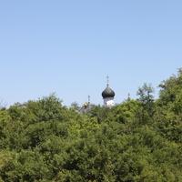 Сухарево. Купола Введенского храма.