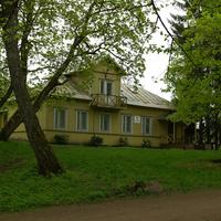 Здание администрации парка
