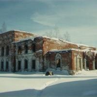 Заброшенный Богородицерождественский монастырский храм. 90-е годы