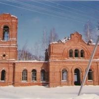 Заброшенный Казанский храм в д. Запутное. 1993г.