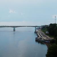 Октябрьский мост через Волгу в Ярославле.