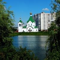 Всехсвятская церковь у Суздальского пруда.