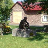 Мосфильм. Памятник В.М. Шукшину. 2007 г.