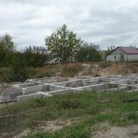 Заложенный фундамент под строительство храма