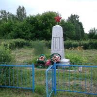 Чекашевы Поляны.Памятник погибшим односельчанам.