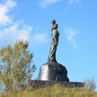 Холм Славы на окраине села Купино