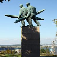 Памятник грузчикам