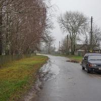с. Красное. Улица и автомобиль.