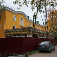 Реконструируемый жилой дом на территории музея-заповедника