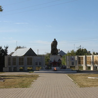 Новая Таволжанка. Мемориал погибшим в Великой Отечественной войне.