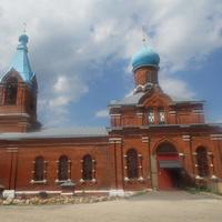Успенская церковь летом