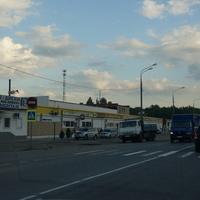 Магазины у дороги