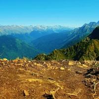 Горы Кавказа после знойного лета. Россия.