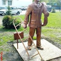 """КГЭС""-статуи ЖКХ, электрик"