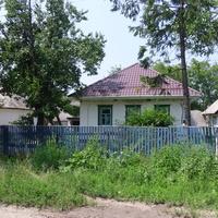 Будинок з новим дахом