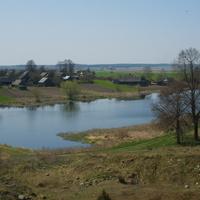 Вид на озеро и ул.Главную