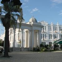 Сухум. Набережная Махаджиров. Колоннада.  10 сентября 2010 год