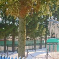 Большой Сундырь. Памятник войнам села