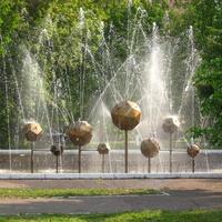 фонтан у ДНТ